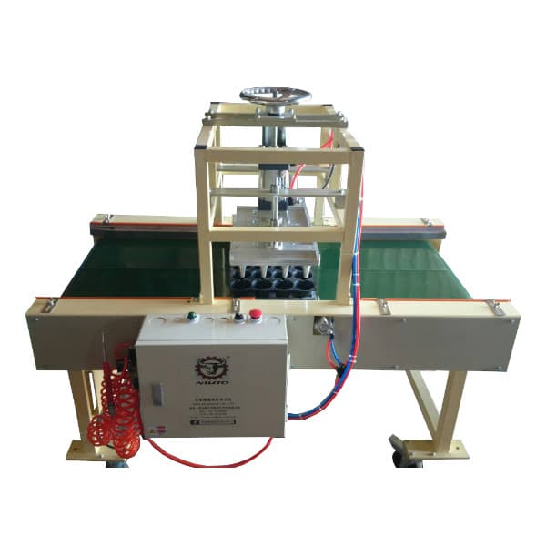 AN-90 穴盤打孔機 Plug Tray Punching Machine